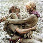 Выводим пятна от грязи